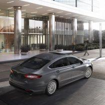 Фотография экоавто Ford Fusion Hybrid SE - фото 4