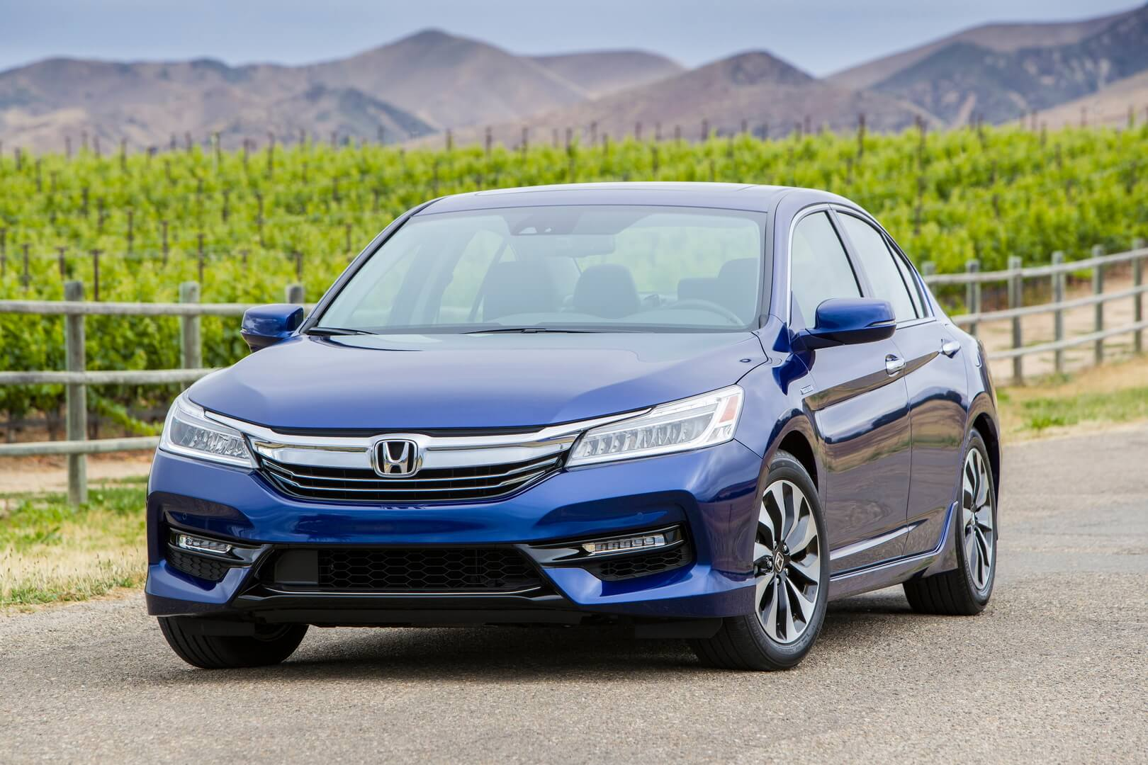 Фотография экоавто Honda Accord Hybrid 2017 - фото 2
