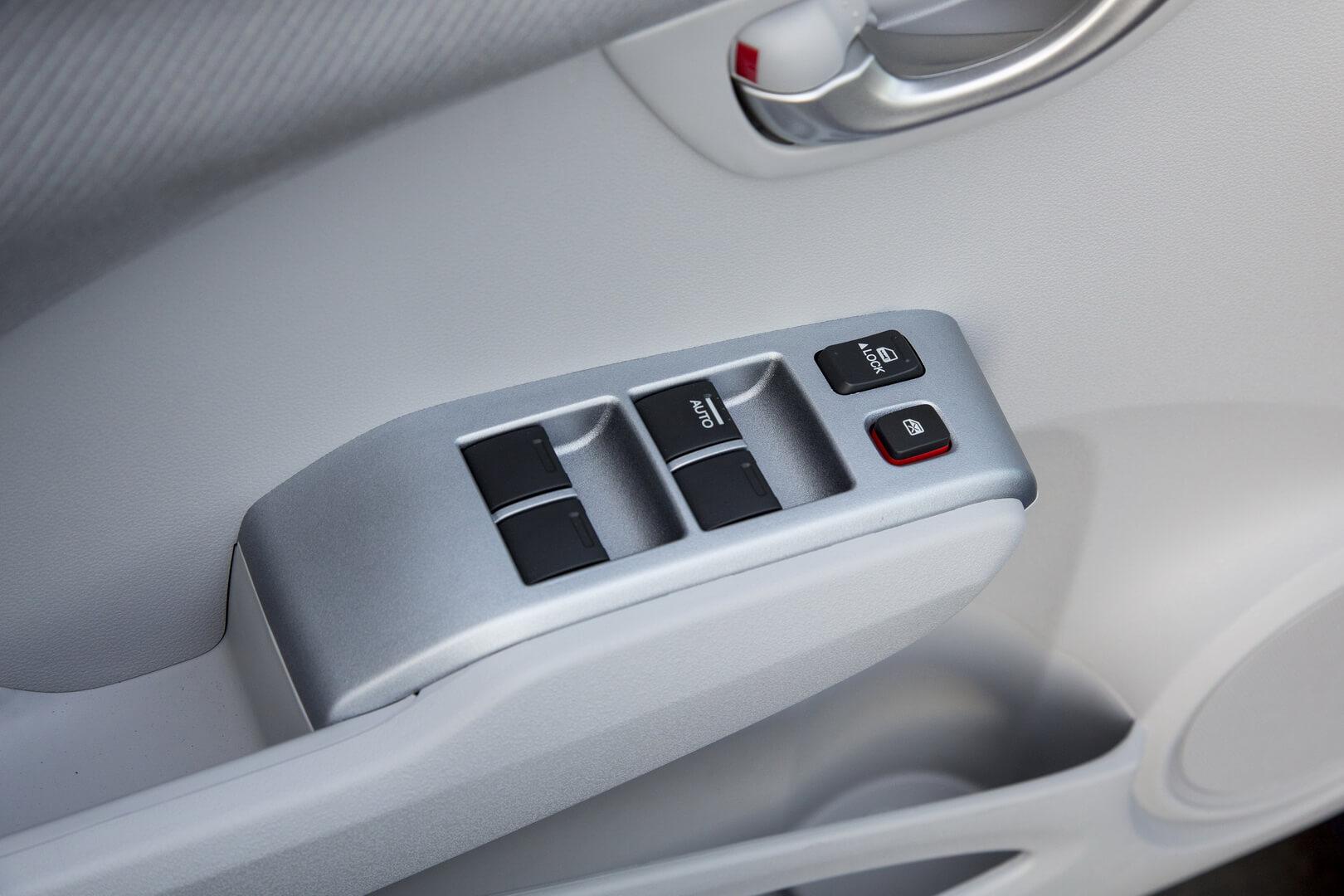 Фотография экоавто Honda Fit EV - фото 96