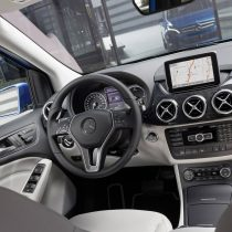 Фотография экоавто Mercedes-Benz B-Class Electric Drive - фото 13