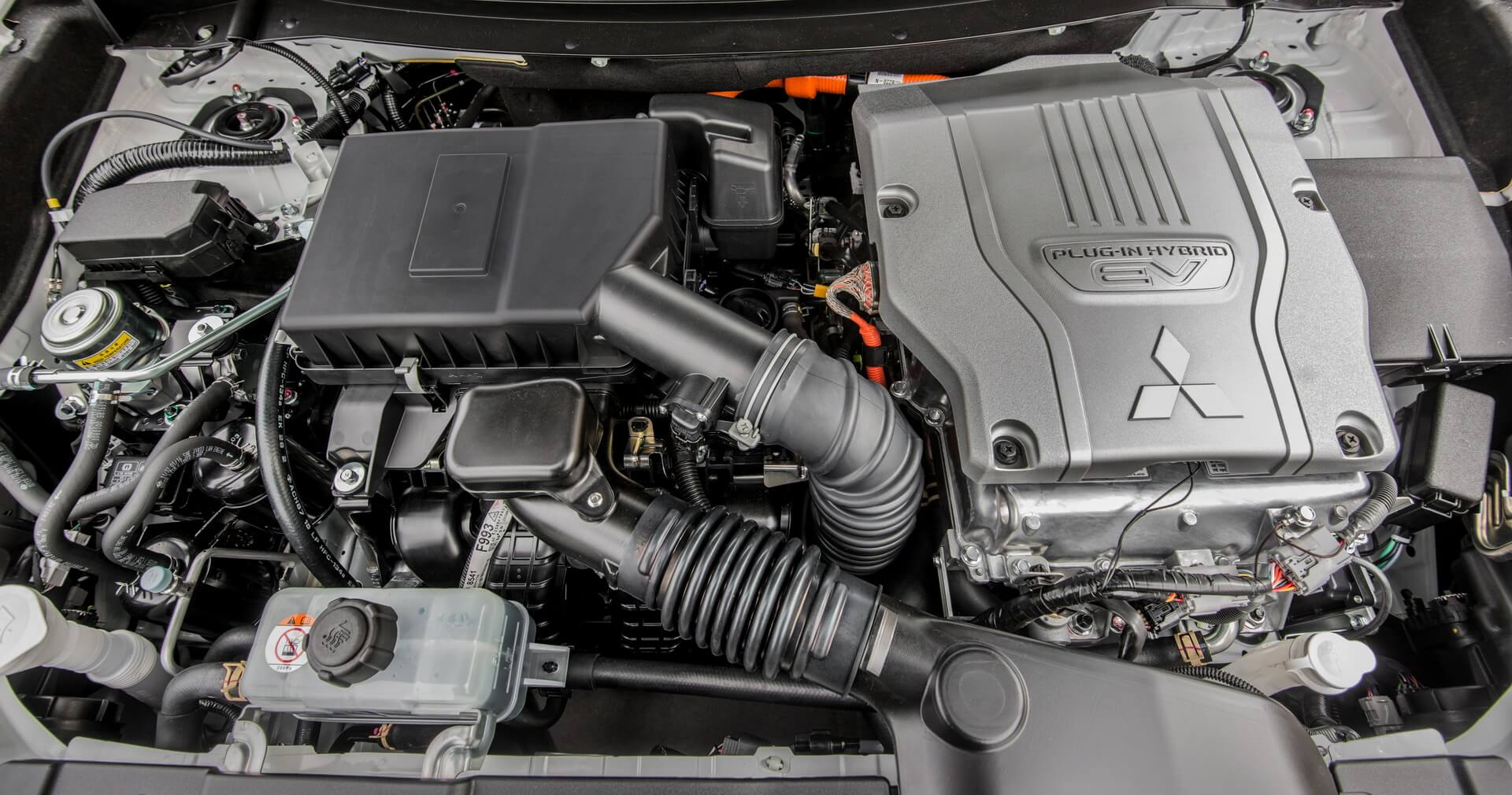 Фотография экоавто Mitsubishi Outlander PHEV 2016-2017 - фото 21