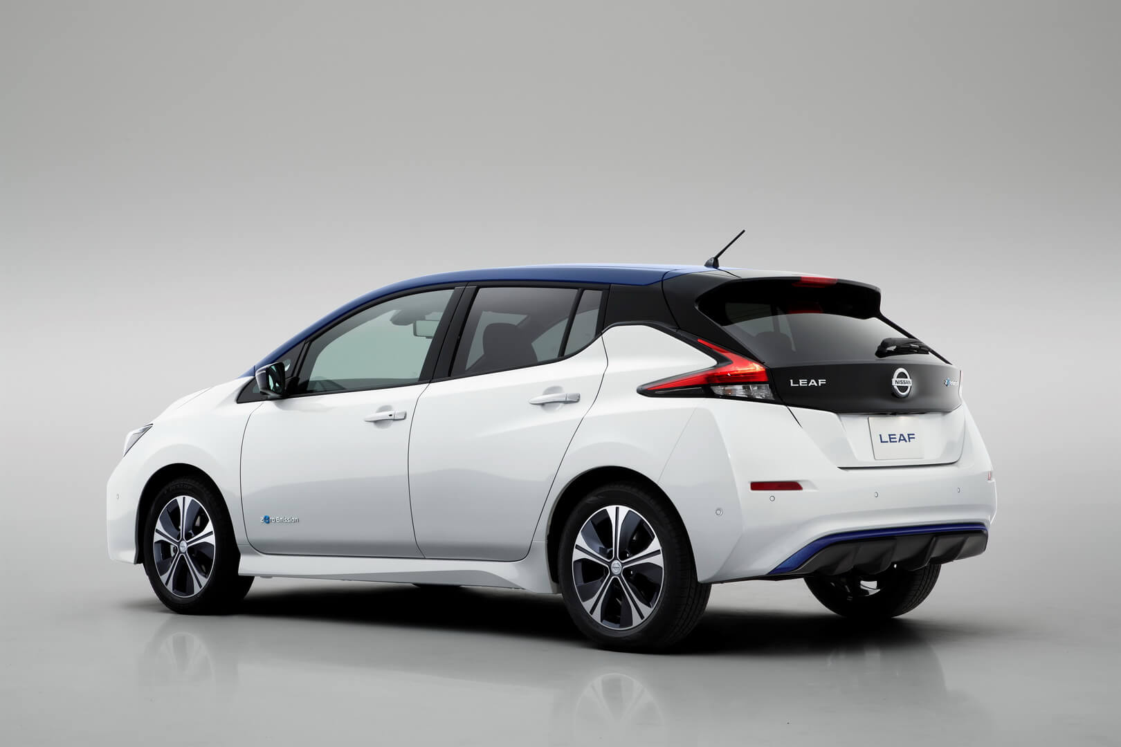 Фотография экоавто Nissan Leaf (40 кВт⋅ч) - фото 12
