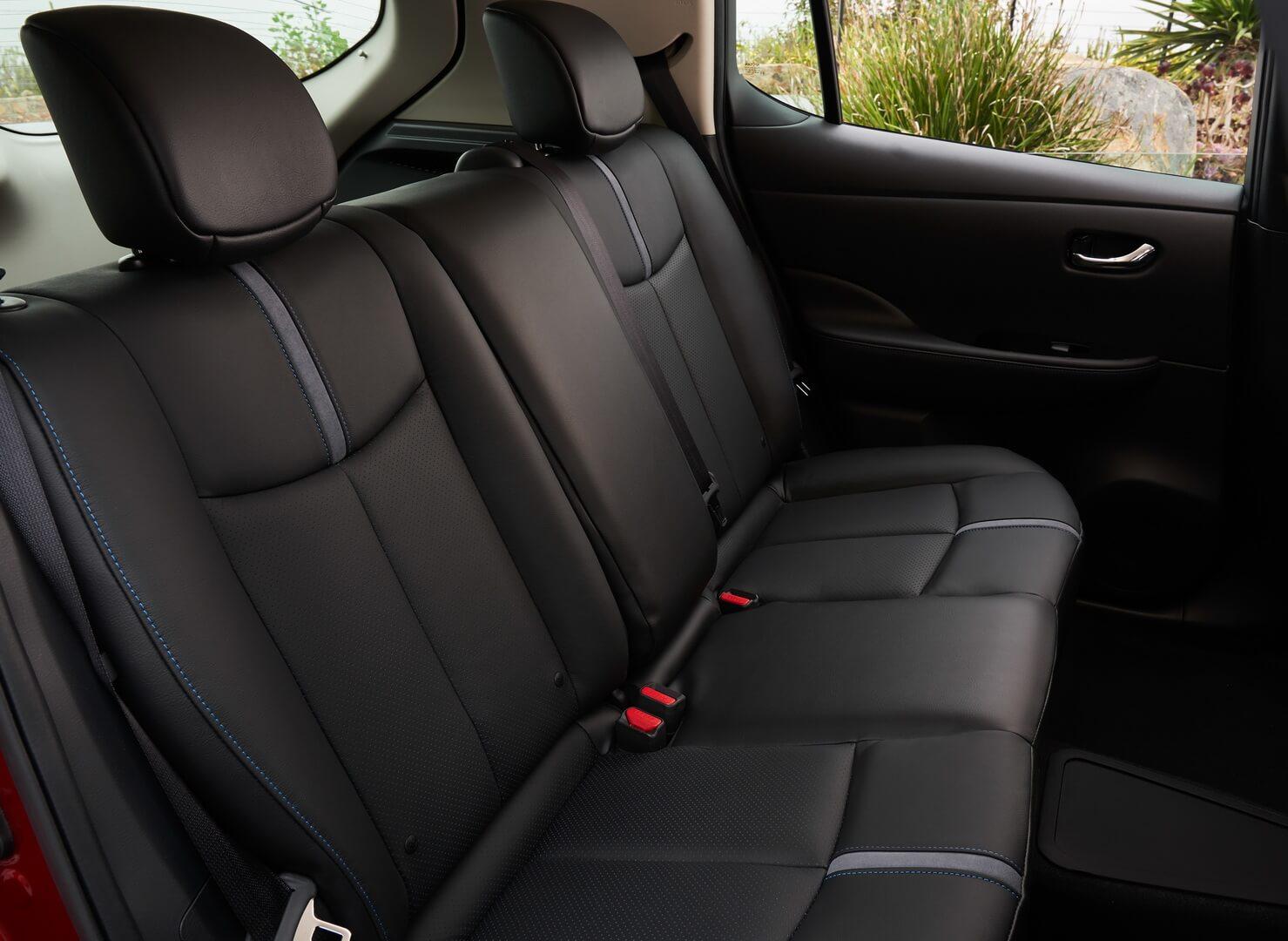 Задний ряд сидений Nissan Leaf 2018