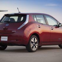 Фотография экоавто Nissan Leaf 2013 (24 кВт•ч) - фото 2