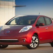 Фотография экоавто Nissan Leaf 2013 (24 кВт•ч) - фото 11