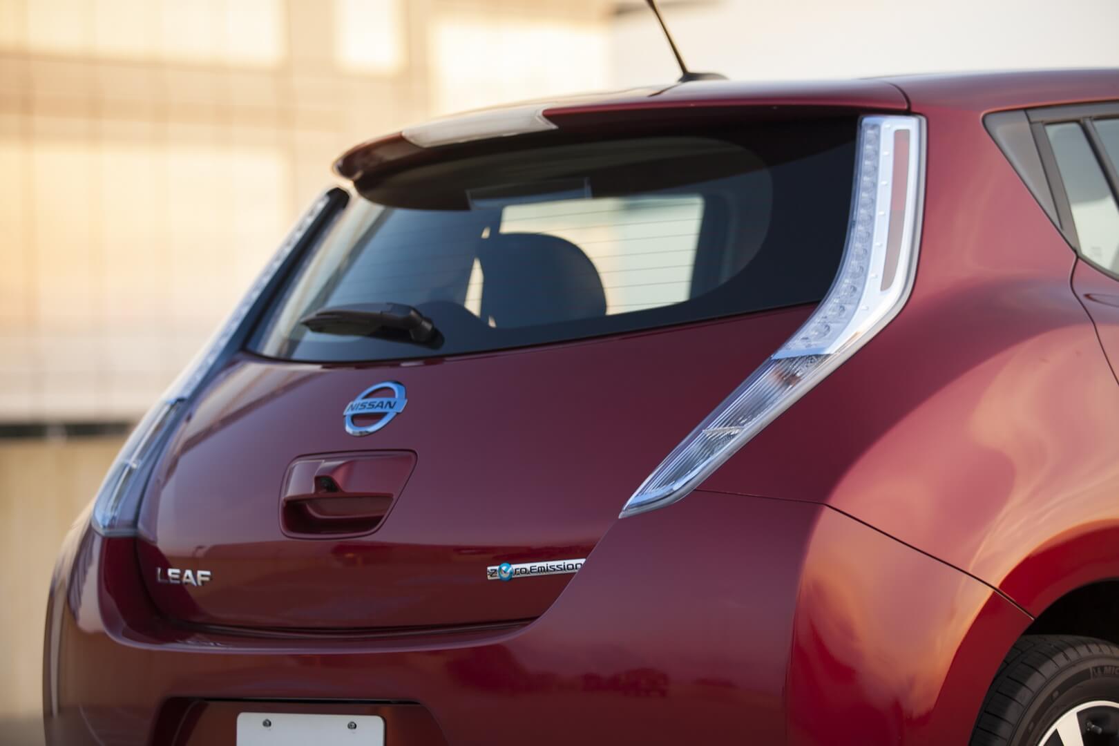 Фотография экоавто Nissan Leaf 2013 (24 кВт•ч) - фото 26