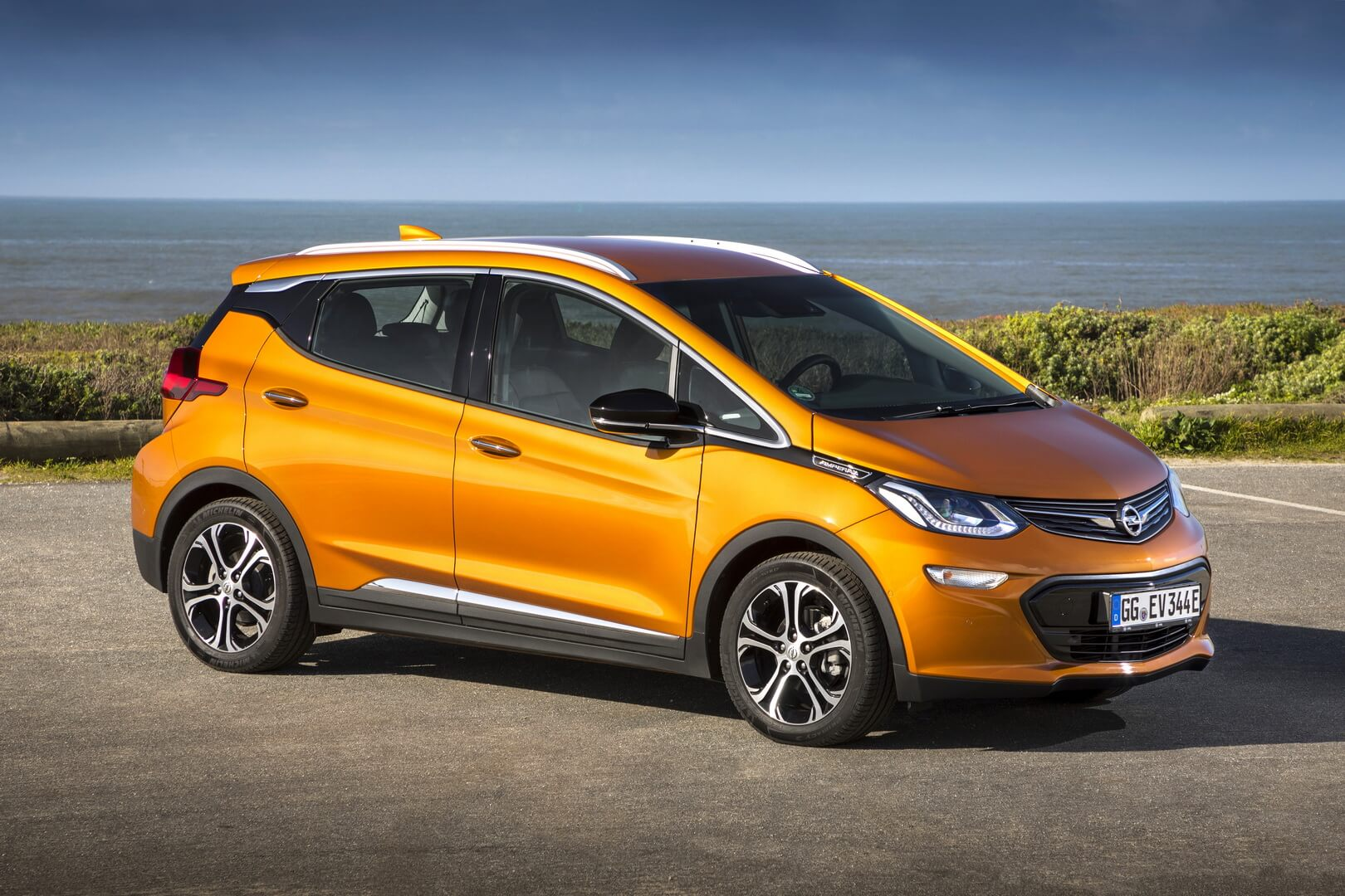 Фотография экоавто Opel Ampera-e - фото 18
