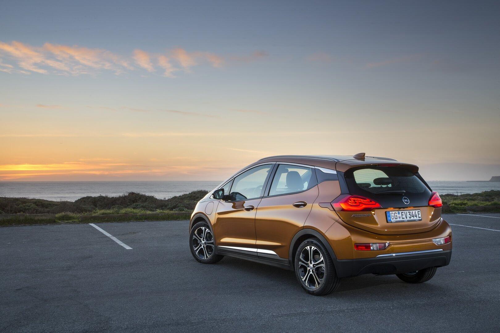 Фотография экоавто Opel Ampera-e - фото 22