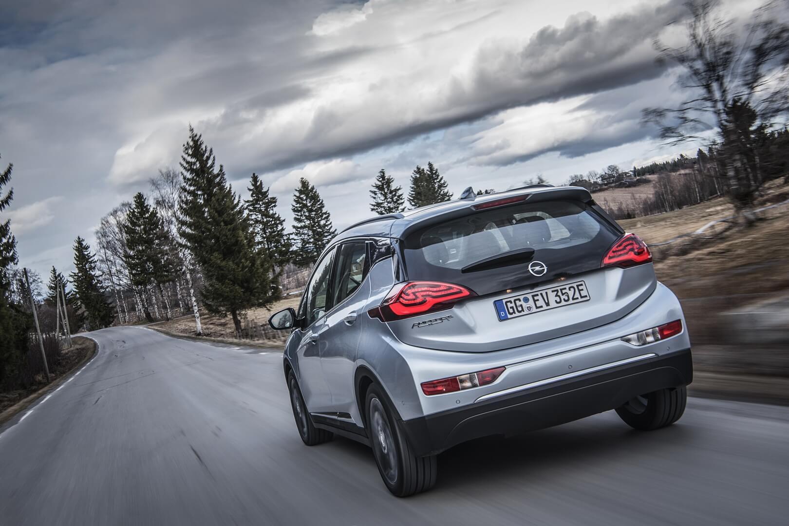 Фотография экоавто Opel Ampera-e - фото 28