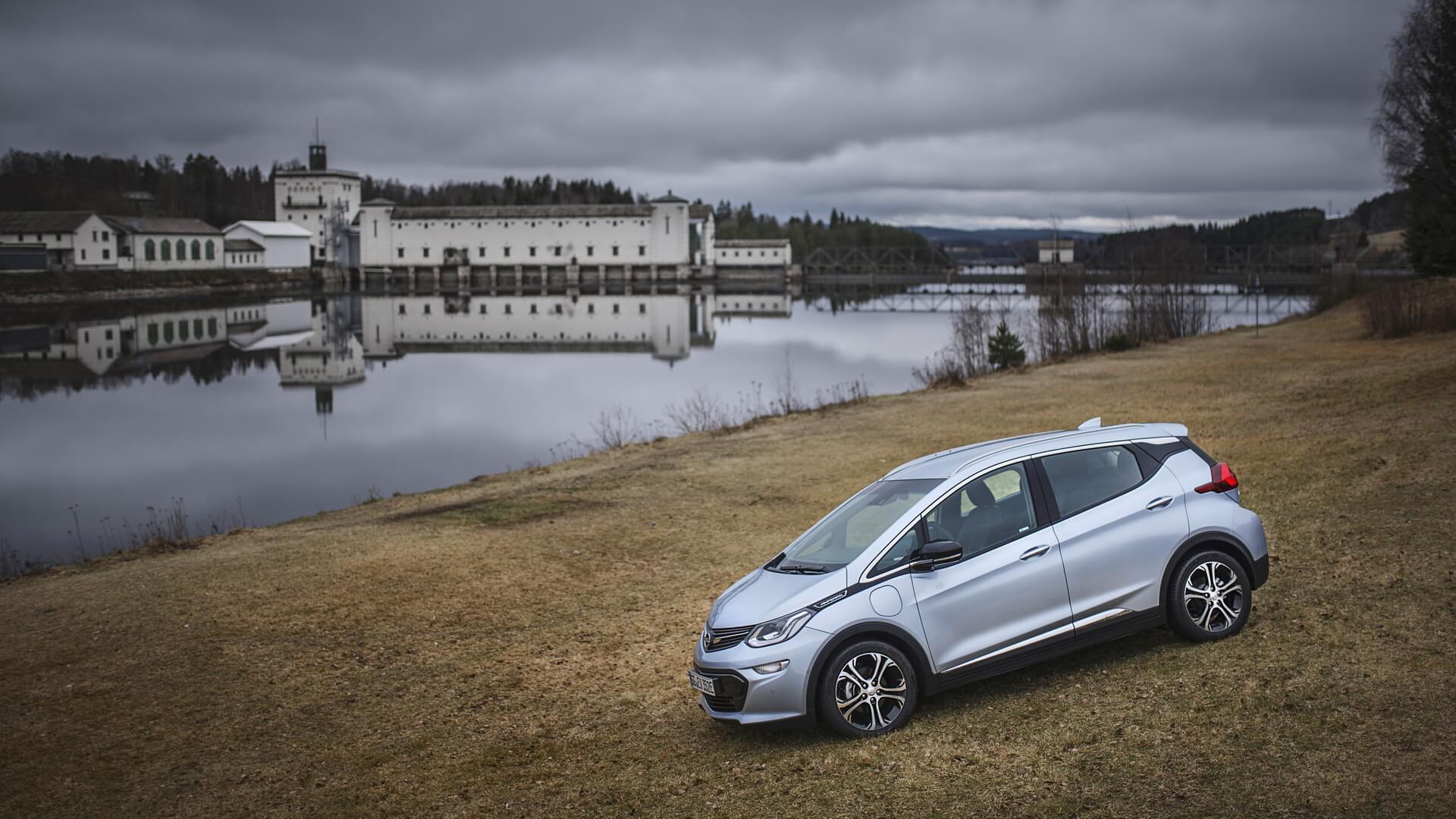 Фотография экоавто Opel Ampera-e - фото 30