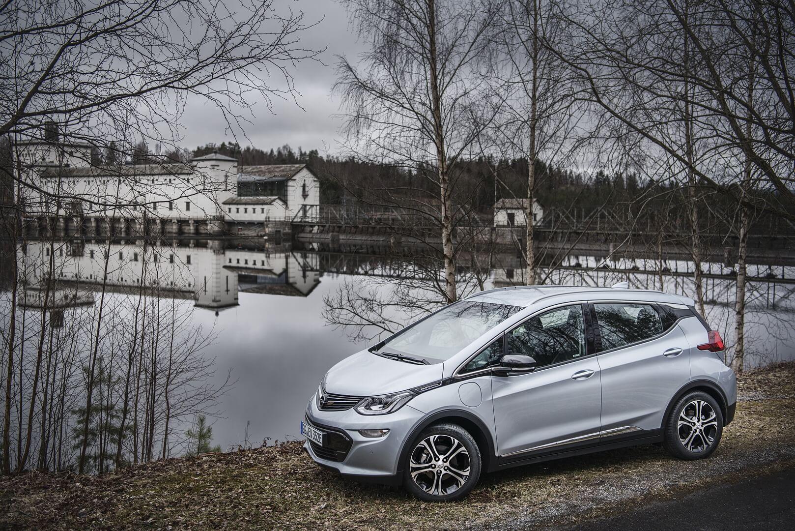 Фотография экоавто Opel Ampera-e - фото 31