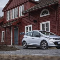 Фотография экоавто Opel Ampera-e - фото 34