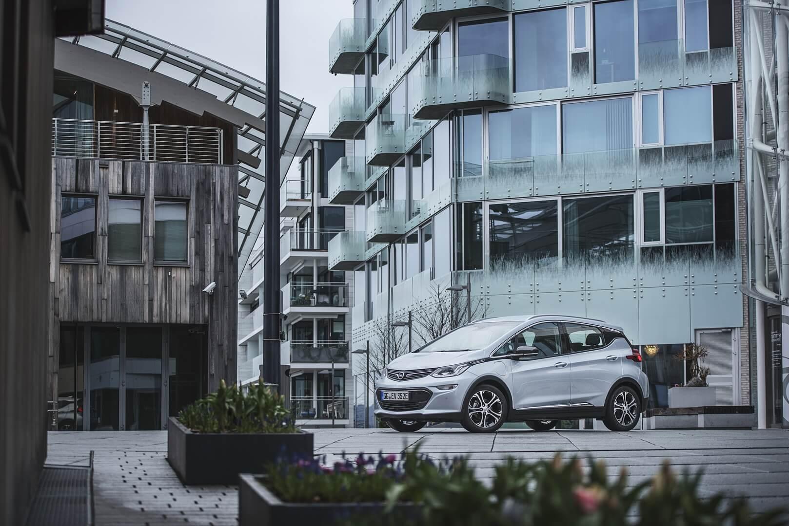 Фотография экоавто Opel Ampera-e - фото 41