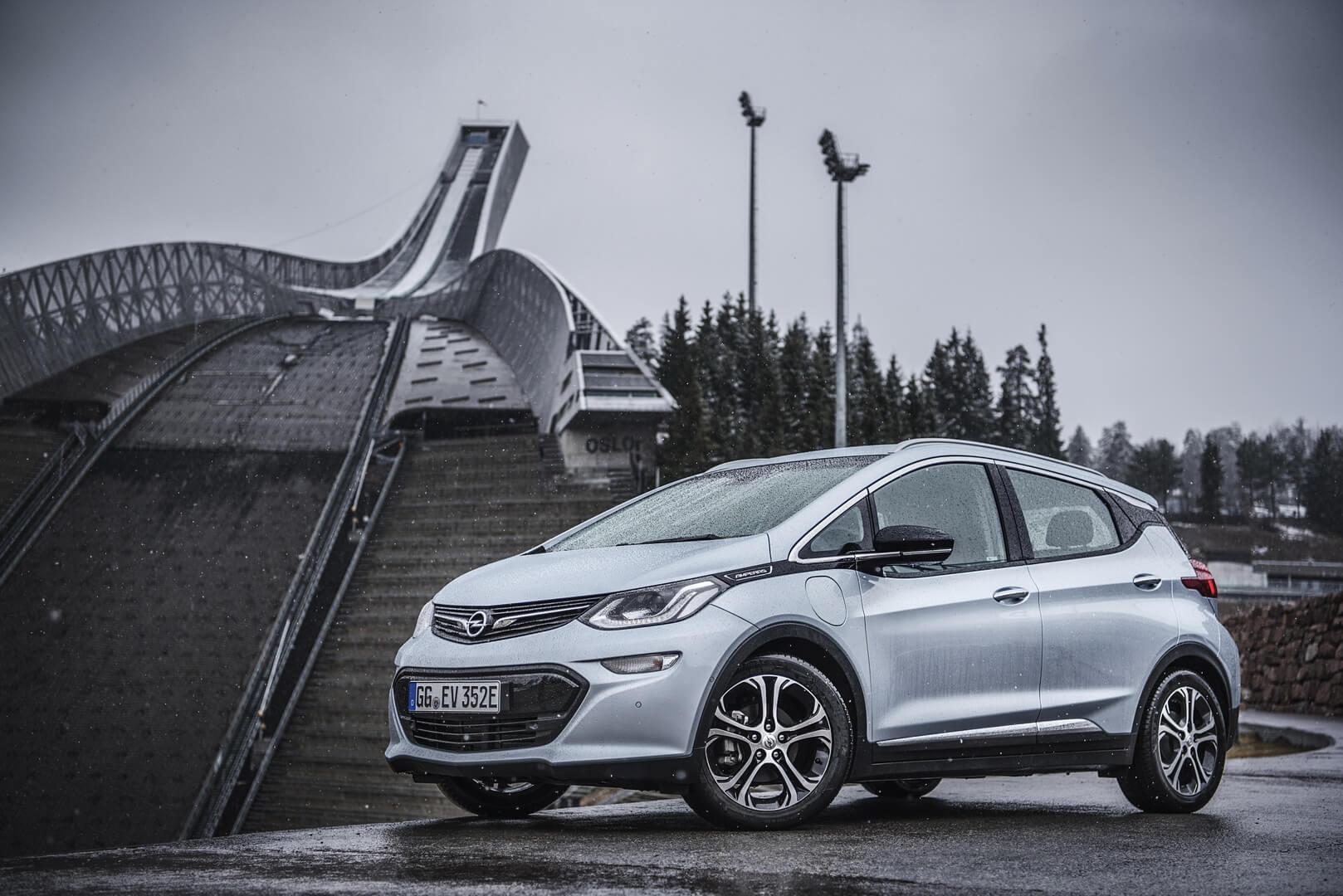 Фотография экоавто Opel Ampera-e - фото 46
