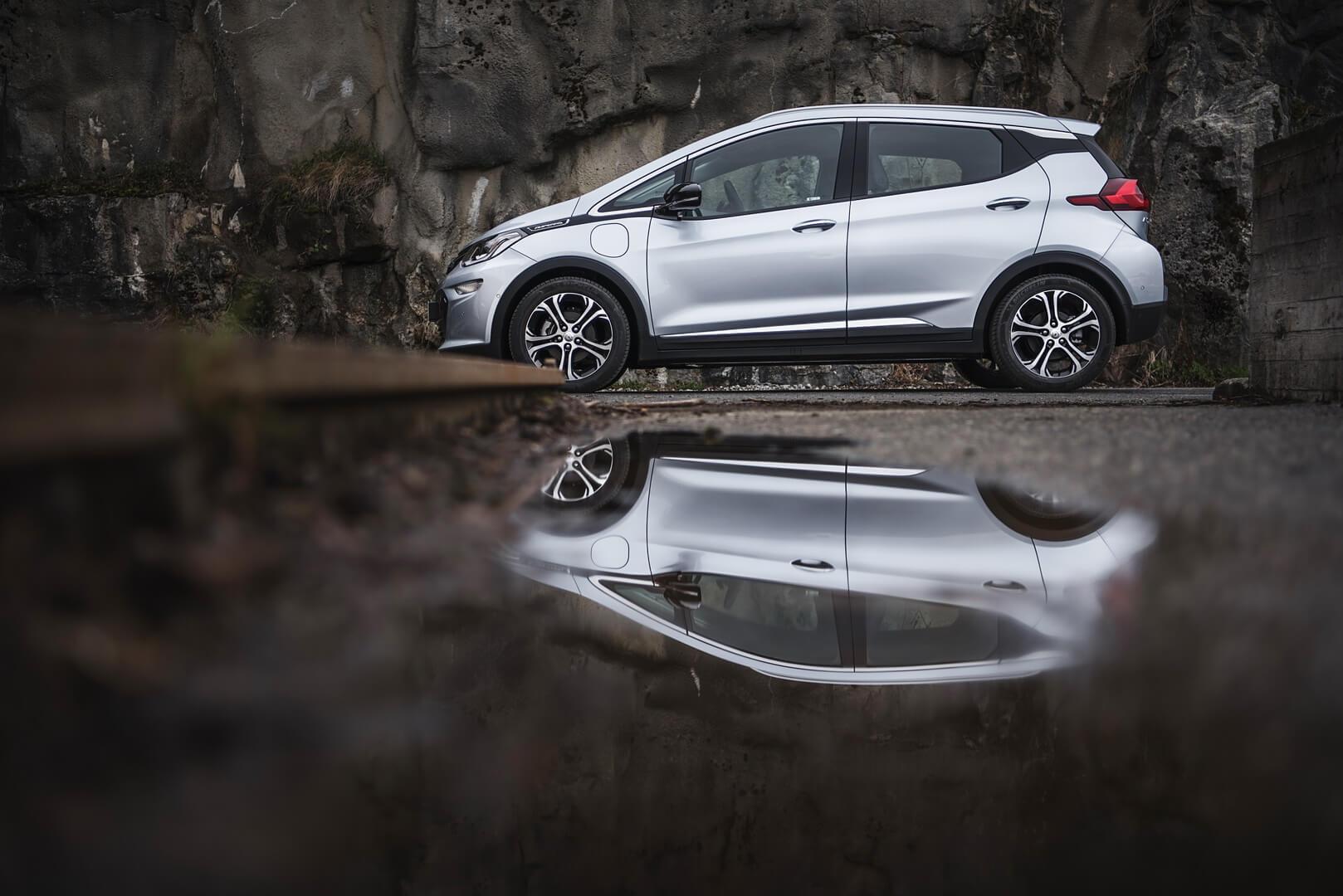 Фотография экоавто Opel Ampera-e - фото 48