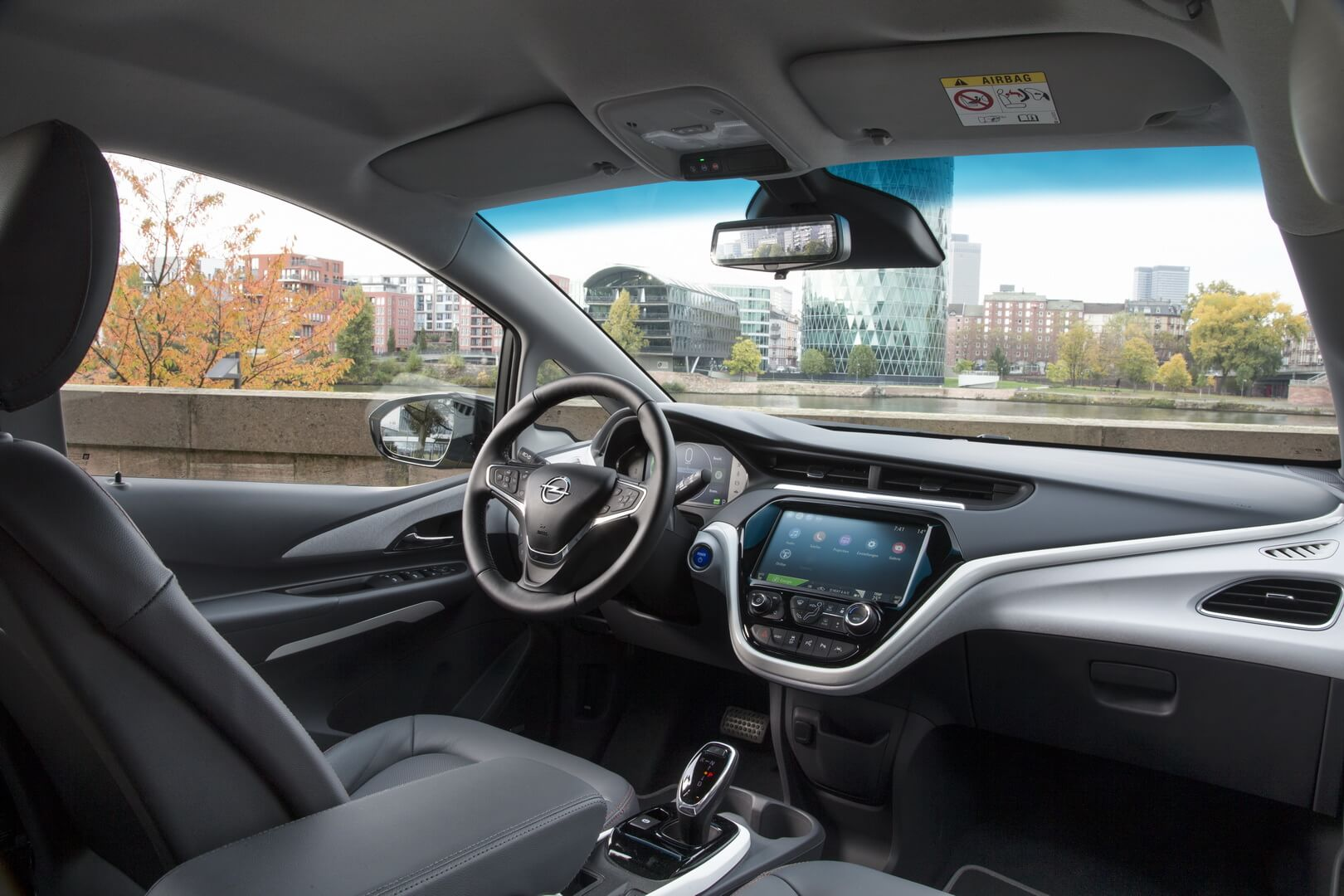 Фотография экоавто Opel Ampera-e - фото 68