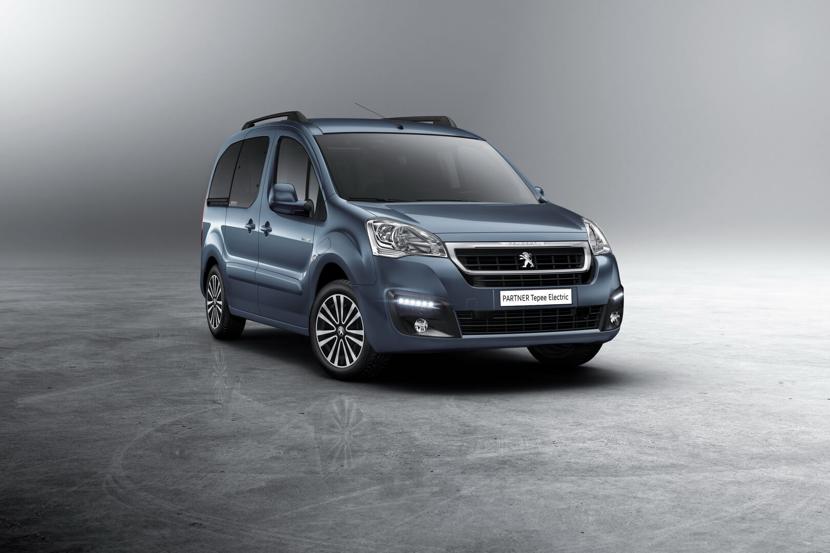 Фотография экоавто Peugeot Partner Tepee Electric - фото 5