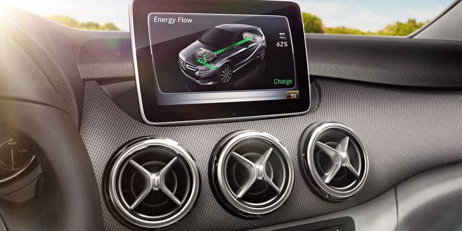 Информационный экран Mercedes-Benz B-Class Electric Drive