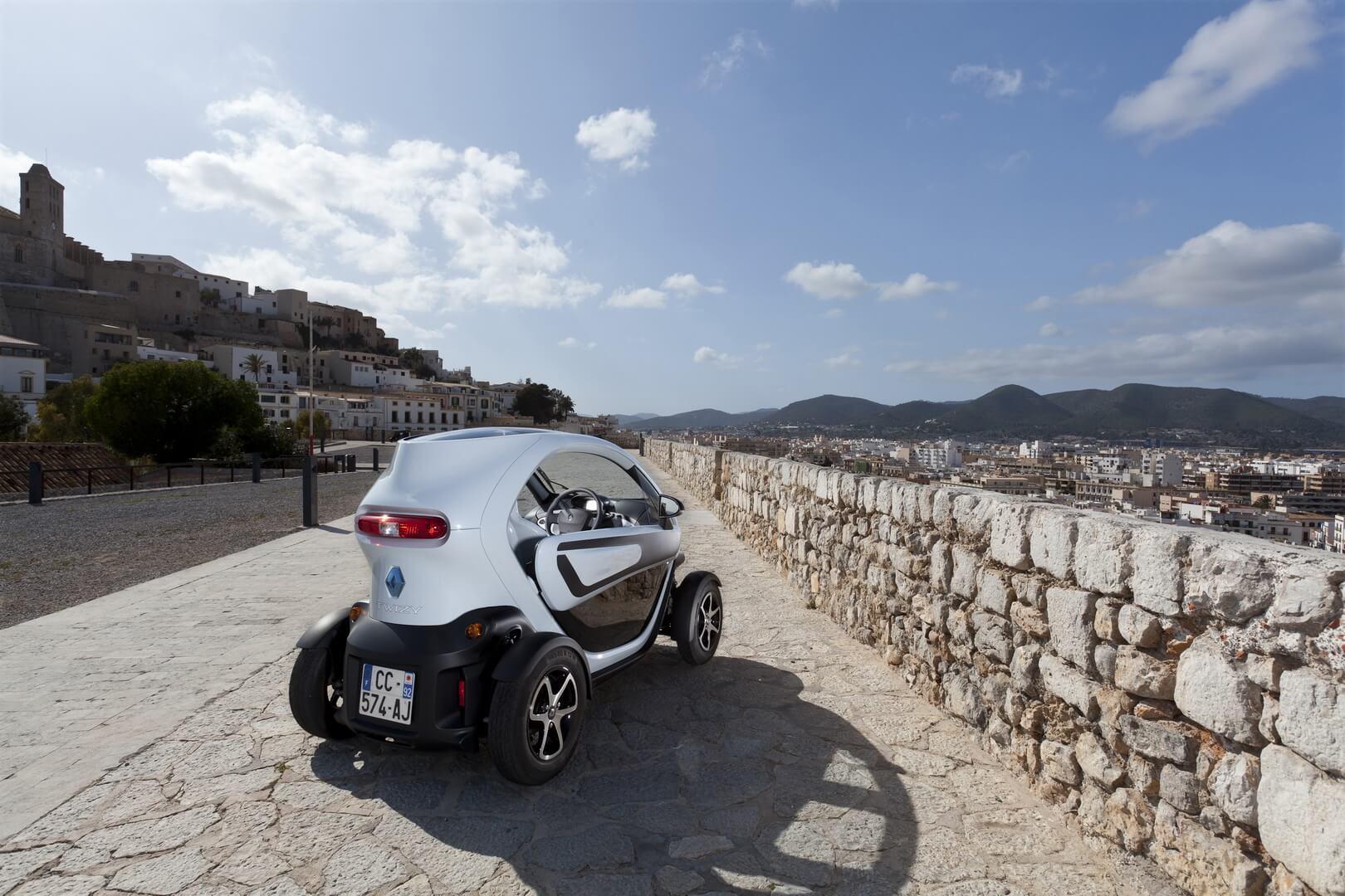 Фотография экоавто Renault Twizy 45 - фото 11