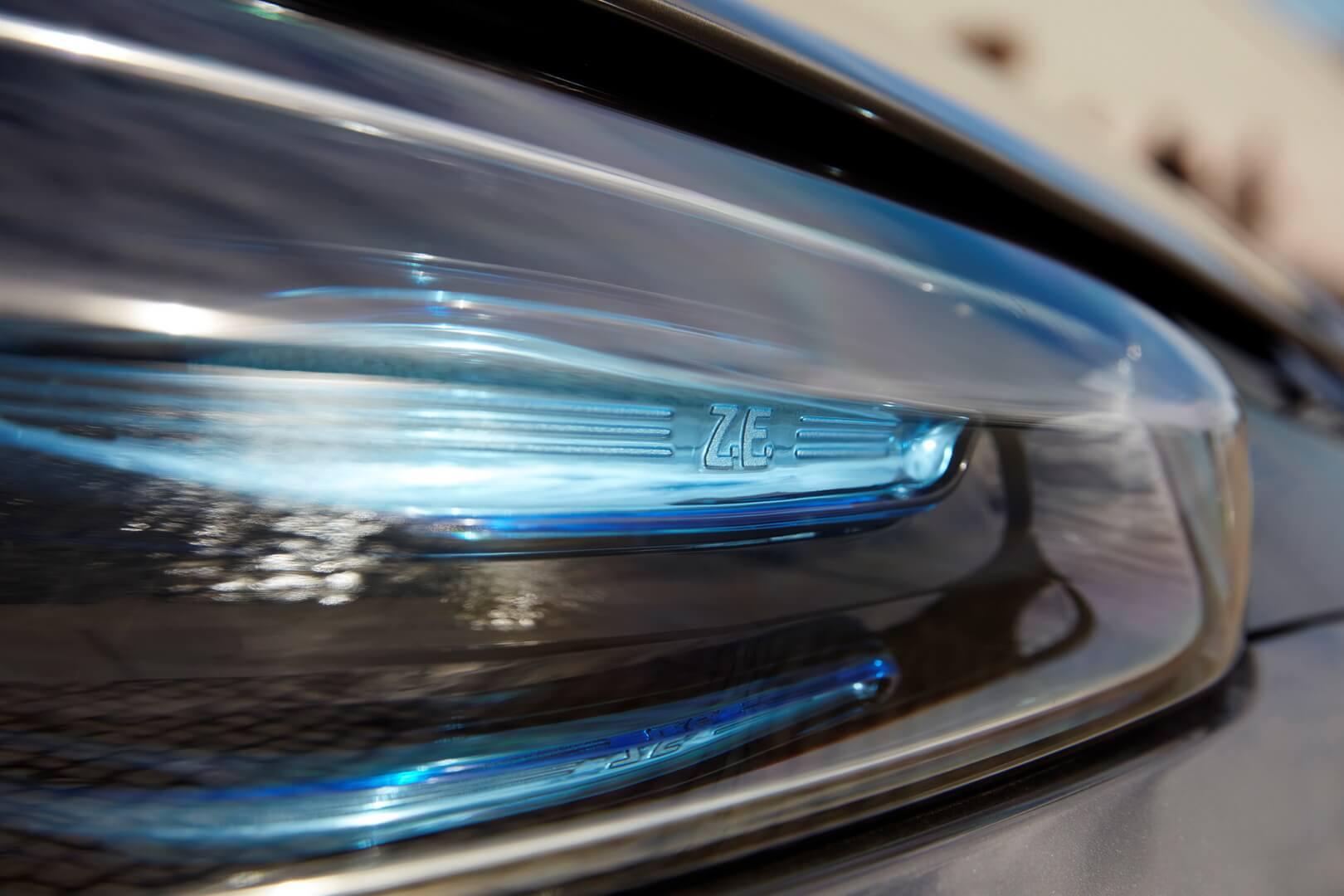 Фотография экоавто Renault ZOE 2012 - фото 2