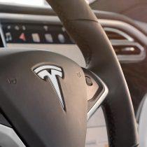 Фотография экоавто Tesla Model X 75D (Standard) - фото 17