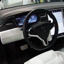 Фотография экоавто Tesla Model X 60D - фото 10