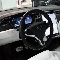 Фотография экоавто Tesla Model X 60D - фото 11