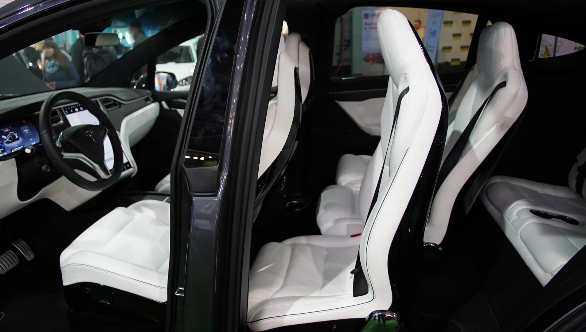 Фотография экоавто Tesla Model X P90D - фото 21