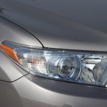 Фотография экоавто Toyota Highlander Hybrid 2011 - фото 12