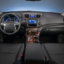 Фотография экоавто Toyota Highlander Hybrid 2011 - фото 25