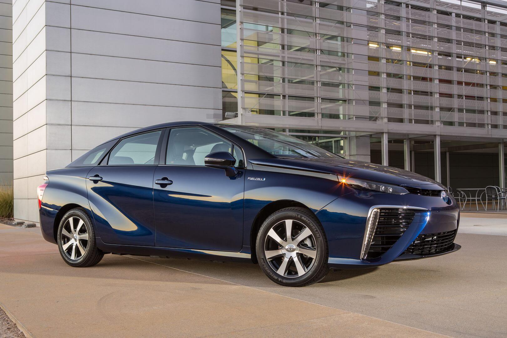 Фотография экоавто Toyota Mirai FCV - фото 10