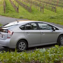 Фотография экоавто Toyota Prius Hybrid 2010 - фото 14