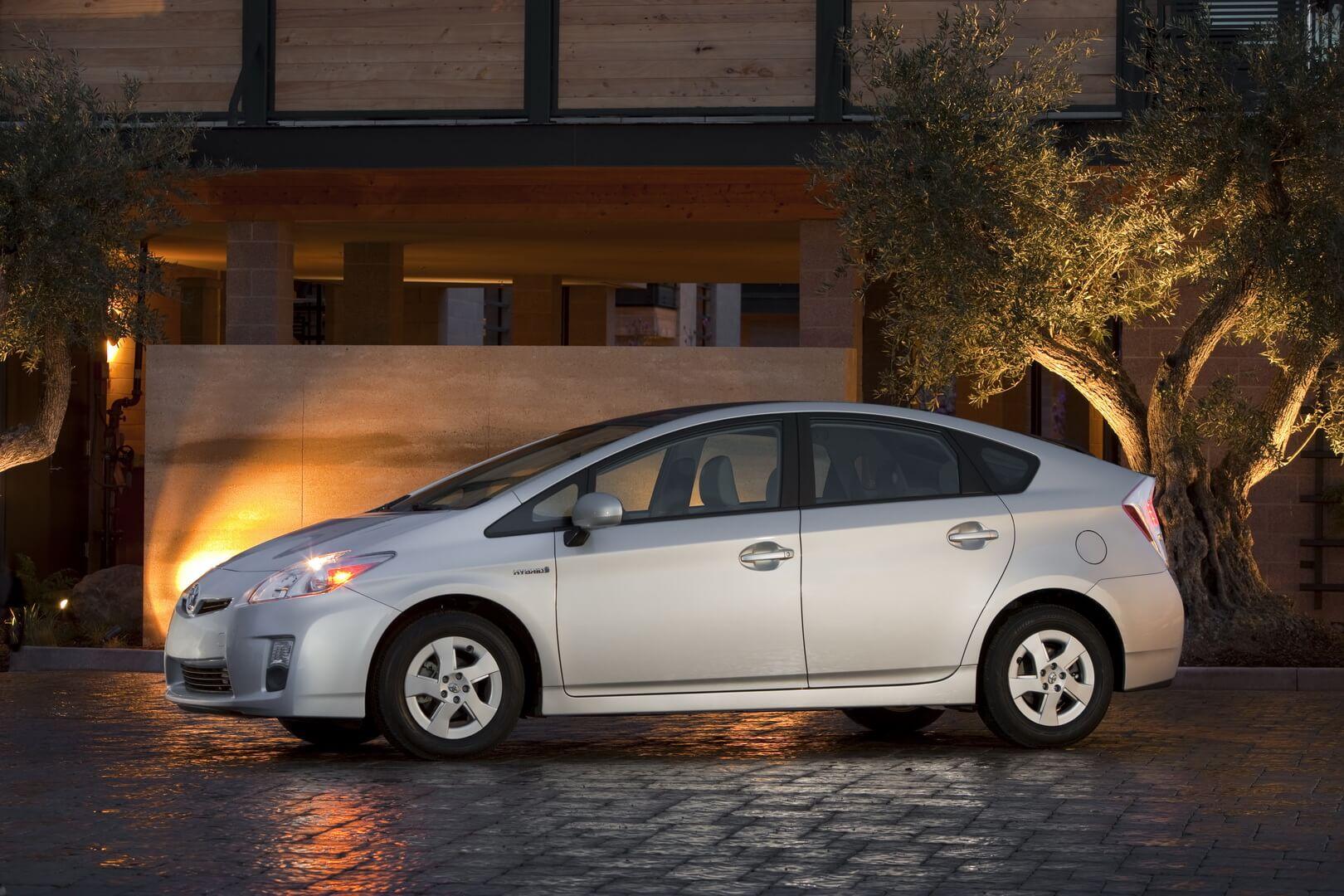 Фотография экоавто Toyota Prius Hybrid 2010 - фото 16