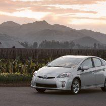 Фотография экоавто Toyota Prius Hybrid 2010 - фото 24
