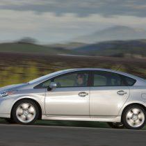 Фотография экоавто Toyota Prius Hybrid 2010 - фото 36