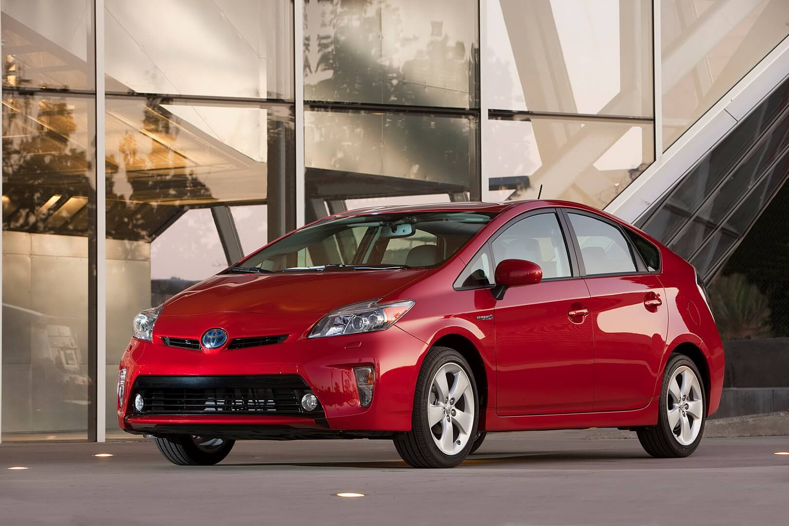 Фотография экоавто Toyota Prius Hybrid 2012 - фото 7