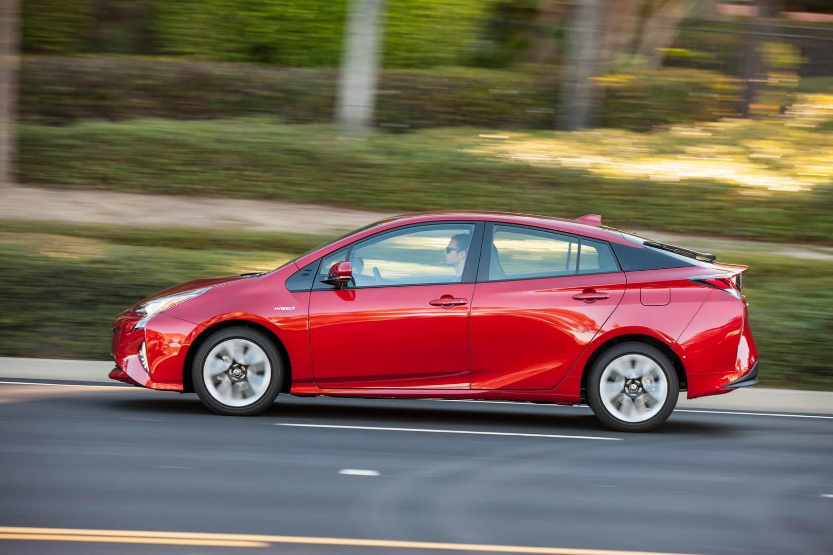 Фотография экоавто Toyota Prius Hybrid 2016 - фото 12