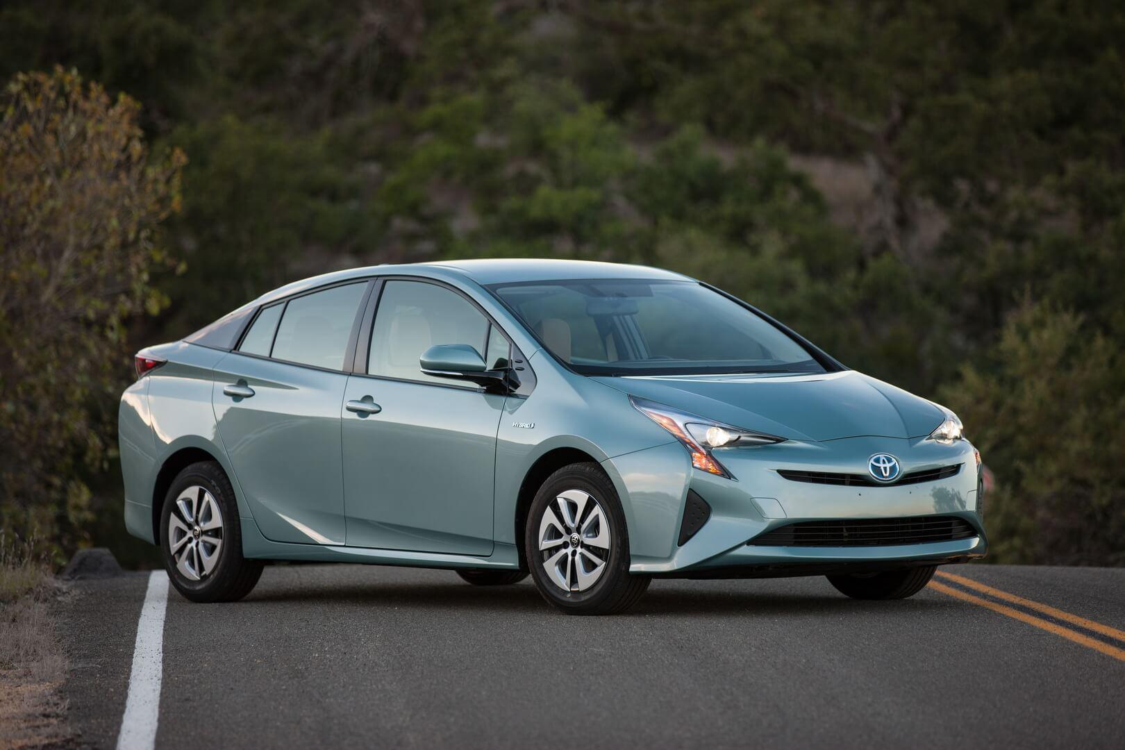Фотография экоавто Toyota Prius Hybrid 2016 - фото 14