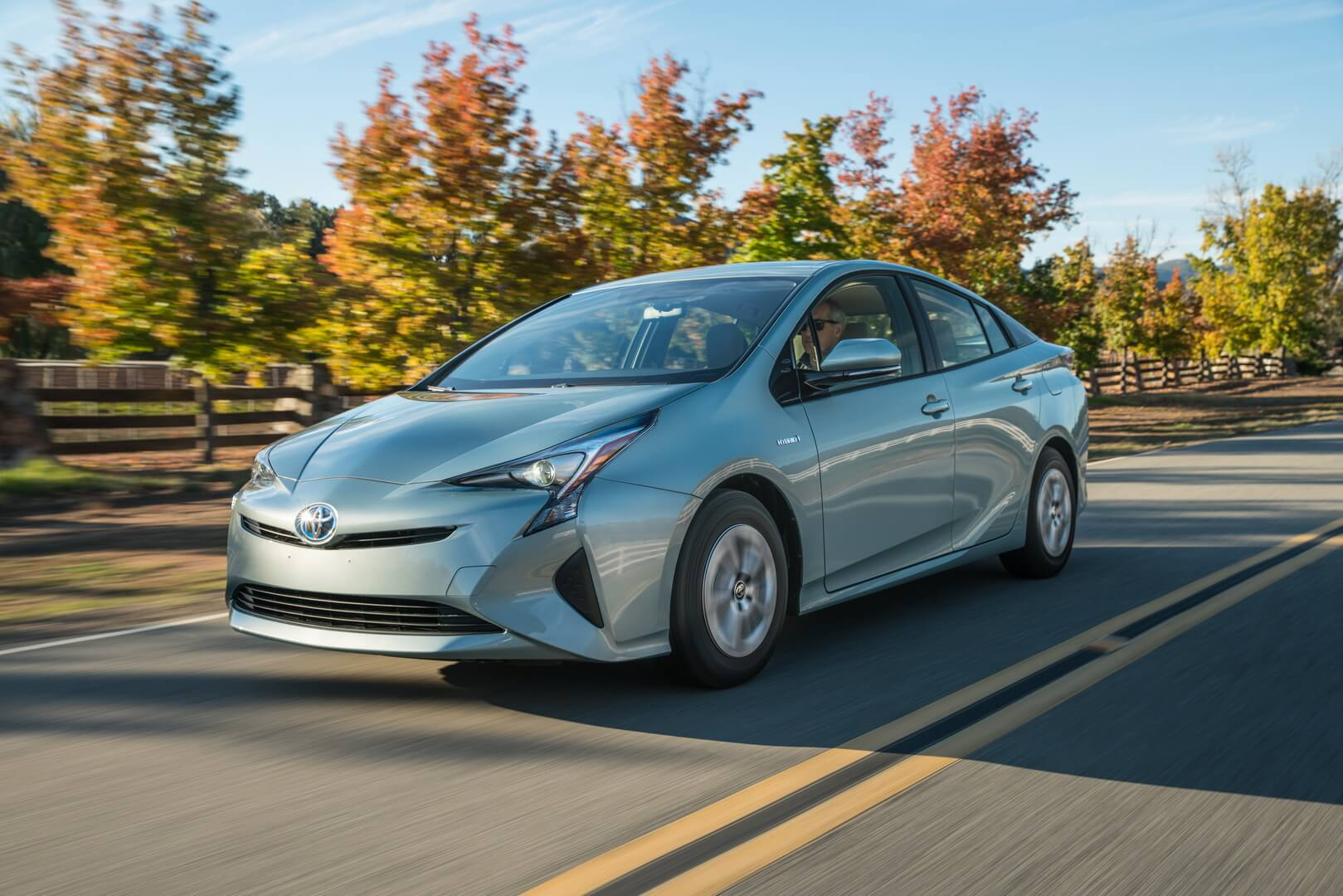 Фотография экоавто Toyota Prius Hybrid 2016 - фото 22