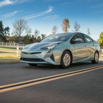 Фотография экоавто Toyota Prius Hybrid 2016 - фото 23
