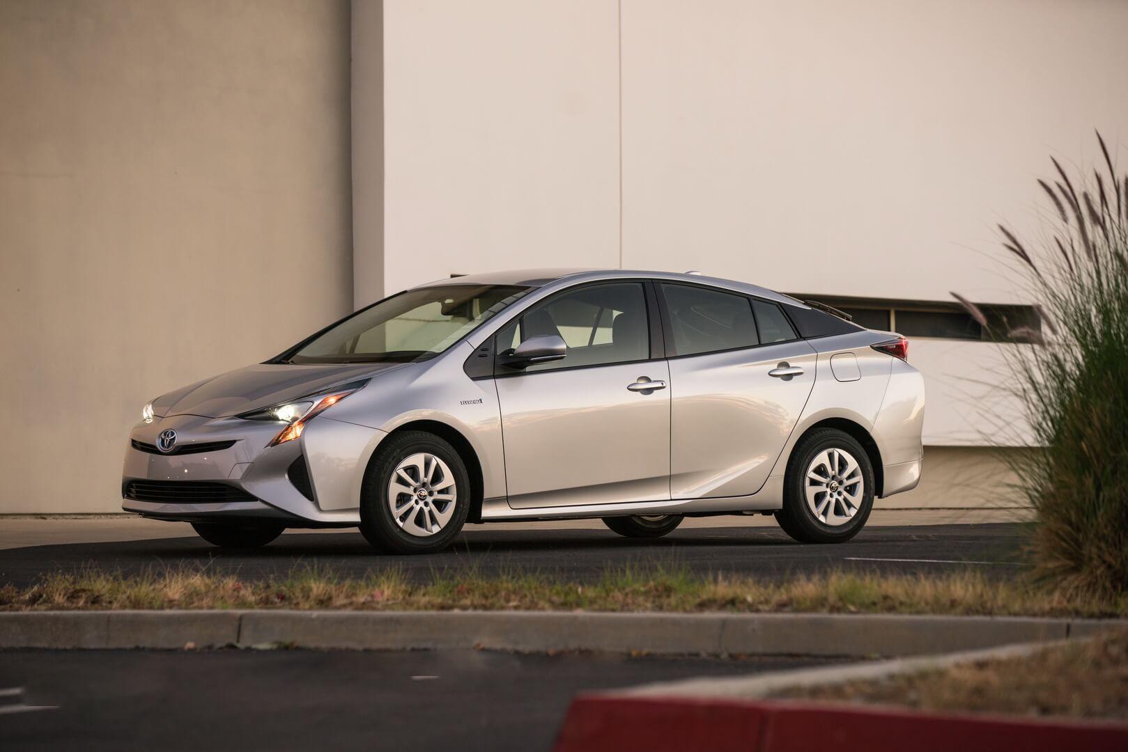 Фотография экоавто Toyota Prius Hybrid 2016 - фото 26