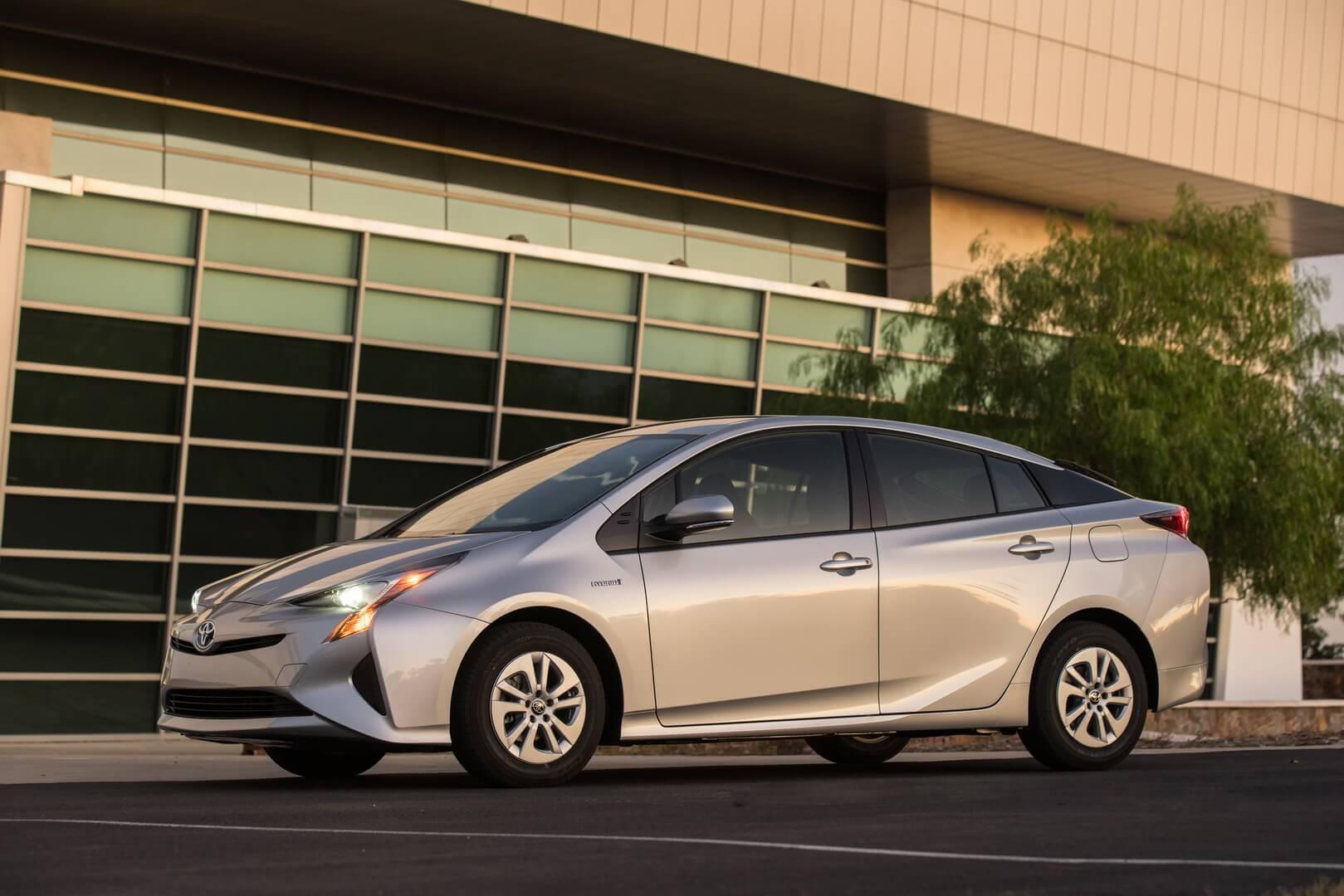 Фотография экоавто Toyota Prius Hybrid 2016 - фото 28