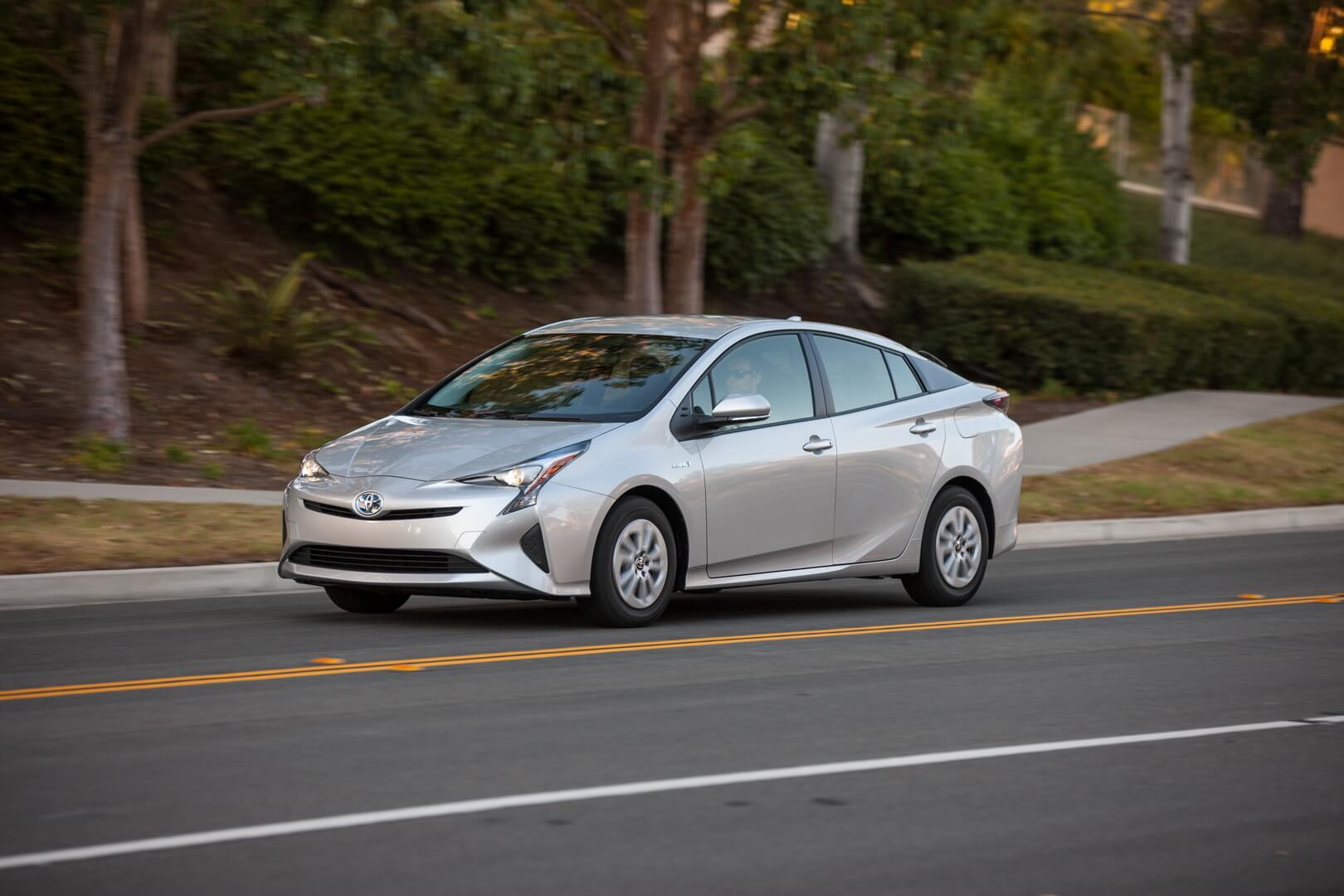 Фотография экоавто Toyota Prius Hybrid 2016 - фото 31