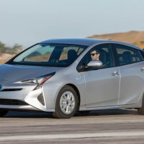 Фотография экоавто Toyota Prius Hybrid 2016 - фото 34
