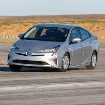 Фотография экоавто Toyota Prius Hybrid 2016 - фото 35