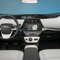 Фотография экоавто Toyota Prius Hybrid 2016 - фото 43