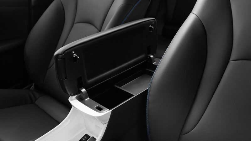 Подлокотник Toyota Prius Hybrid 2016
