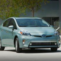 Фотография экоавто Toyota Prius Prime 2012 - фото 2