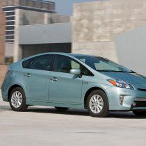 Фотография экоавто Toyota Prius Prime 2012 - фото 14