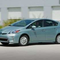 Фотография экоавто Toyota Prius Prime 2012 - фото 20